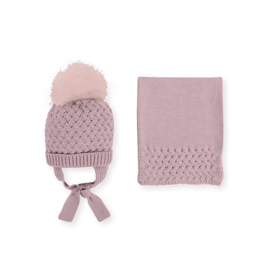 oud roze gebreide sjaal en muts
