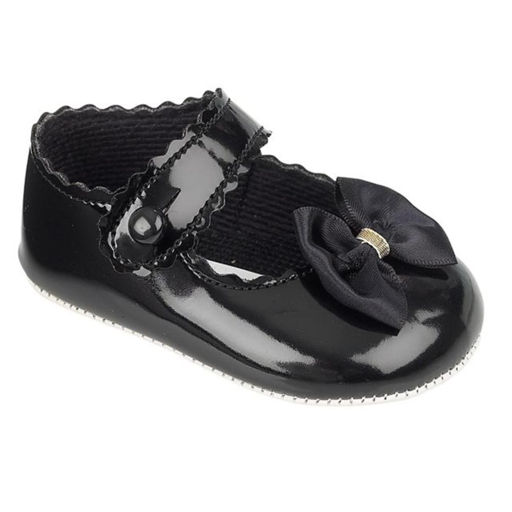 Zwart lak schoentje met strikje